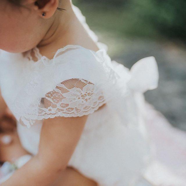 Golden sunlight and the prettiest little dresses make my hearthellip
